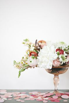 Start planning your wedding today with ideas for dresses, invitations, cakes, bouquets, and more from the editors of Martha Stewart Weddings. Vintage Flower Arrangements, Vintage Flowers, Vintage Vases, Wedding Arrangements, Table Flowers, Beautiful Flowers, Nice Flower, Glass Flowers, Hydrangea