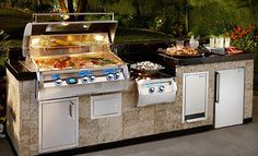 The best gas grills and bbq grills built in the USA. Get the best gas grill of your dreams with a fire magic outdoor grill. Backyard Kitchen, Outdoor Kitchen Design, Outdoor Kitchens, Bbq Kitchen, Kitchen Ideas, Backyard Bbq, Kitchen Designs, Kitchen Sink, Cozy Backyard