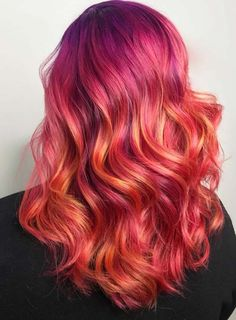 Check out these trendy vibrant red hair color trends to get brightest hair colors looks right now. Find your next hair color inspirations by following these beautiful trends of red hair color highlights. Just see here and copy one of the best red colors for you to wear in 2018.