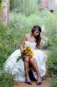 Bridal portrait ideas no purple shoes though! Bridal Poses, Bridal Session, Bridal Portraits, Dream Wedding, Wedding Day, 1920s Wedding, Wedding Things, Wedding Decor, Wedding Stuff