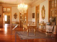 , revestimento a  espelhos, estuques e talha dourada  (Toluca Lerdo de Tejada  (wikipédia)