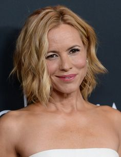 2014 Maria Bello's Short Hairstyles: Sexy Layered Wavy Bob with Middle Parting