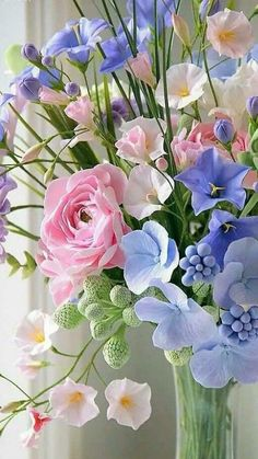 Fake flowers arrangements are one of the easiest and cheapest ways of decorating any room. You can make beautiful and elegant floral arrangements