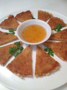 Crispy prawn in spring roll sheet #thaifood #appetizer