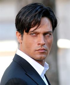 Google Image Result for http://www.zapster.it/multimedia/2900/2811/big/Gabriel_Garko---91.jpg