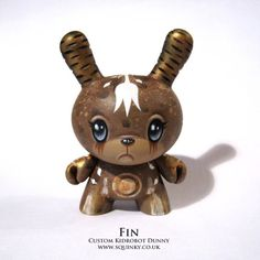 "SpankyStokes.com | Vinyl Toys, Art, Culture, & Everything Inbetween: ""Fin"" custom 3"" Dunny by Squink!"