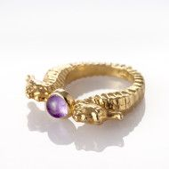 The Tidy Gift Finder suggests you a smart selection of unique products selected for Scorpio. How To Influence People, Gift Finder, Scorpio, Gemstone Rings, Lady, Gifts, Jewelry, Presents, Jewlery