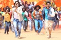 ‪#‎RaviTeja‬, ‪#‎Shivaraj‬ Kumar shake legs in ‪#‎Vajrakaya‬: Tollywood Mass Maharaja Ravi Teja has joined along with Shivaraj Kumar for his upcoming movie 'Vajrakaya'.   http://www.bangalorewishesh.com/entertainment-movies-films/376-movie-gossips/37616-ravi-teja-shivaraj-kumar-shake-legs-in-vajrakaya.html