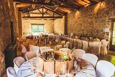 une jolie dcoration rustique et nature pour la salle mariage au domaine de vavril beaujolais - Salle Mariage Beaujolais