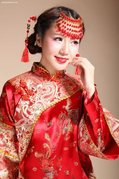Chinese Wedding Traditional Classical Two-Piece Qun Kwa Bridal Gown