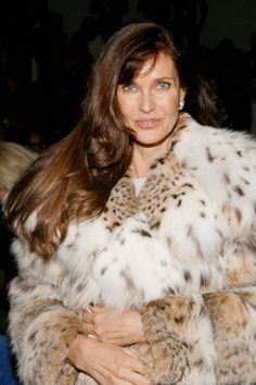 Carol Alt Photos - Carol Alt attends the Dennis Basso Fall 2013 fashion show during Mercedes-Benz Fashion Week at The Stage at Lincoln Center on February 2013 in New York City. Lynx, Carol Alt, Dennis Basso, Apres Ski, Fur Coats, Furs, Moncler, Front Row, Mercedes Benz