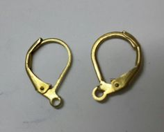 ITEM: ER071 DESCRIPTION: Antique Gold colour earing hooks made up of brass metal PRICE: 10rs/pair