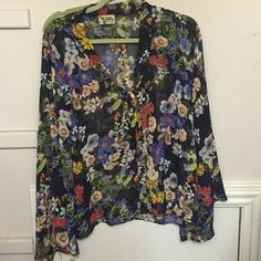 Show Me Your MuMu Top Worn once! EUC. Bell Sleeves Show Me Your MuMu Tops Blouses