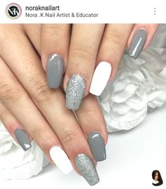 Nail art Christmas - the festive spirit on the nails. Over 70 creative ideas and tutorials - My Nails Grey Acrylic Nails, Summer Acrylic Nails, Summer Nails, Stylish Nails, Trendy Nails, Aycrlic Nails, Coffin Nails, Fire Nails, Dream Nails