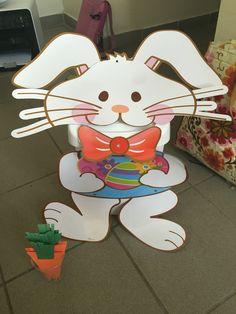 Zafacón-conejo y zanahorias