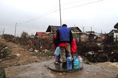 Roumanie Habitations roms à Baia Mare, sans accès à l'eau ni à l'électricité
