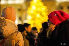 OBRAZOM: V Bratislave sa začali Vianoce, otvorili tradičné trhy - Regióny - TERAZ.sk Bratislava, Winter Hats