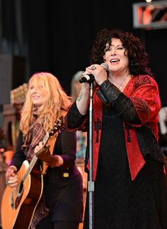 Nancy Wilson Ann Wilson Heart ... Heart's Ann Wilson: 'What Sea World Does Is Slavery' The Wilson sisters explain why the band backed out of their Sea World gig