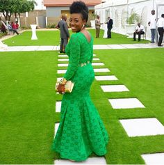 Wedding guests are bringing in their wow-factor into every wedding occasion. From the wedding red carpet statement looks to fashionistas giving us style, here are some fashion-forward trends which are… African Wedding Attire, African Attire, African Wear, African Fashion Dresses, African Women, African Dress, African Style, African Outfits, Ankara Fashion
