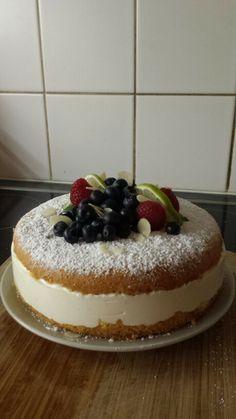 Geburtstagstorte Tiramisu, Cheesecake, Ethnic Recipes, Desserts, Food, Birthday Cake Toppers, Pies, Tailgate Desserts, Meal