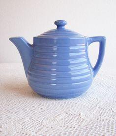 periwinkle blue teapot, vintage teapot, bright blue, pantone little boy blue Color Celeste, Teapots And Cups, Teacups, Fire Clay, Cuppa Tea, Periwinkle Blue, Pink Purple, Tea Cozy, Tea Service