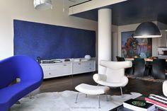 Modern interiors by Robert Couturier EJ 100 Ox chair by Erik Joergensen. Office Interior Design, Interior Design Living Room, Living Room Designs, Interior Modern, Interior Ideas, Modern House Design, Home Design, Architecture Design, Apartment Design