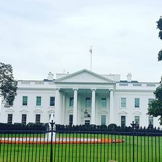 【photomadme】さんのInstagramをピンしています。 《@AppLetstag #washingtonmonument #dmv #smithsonian #capitol #travel #america #igdc #usa #washington #washingtondc #dc #whitehouse #cherryblossoms #memorial #architecture #igersdc #president #baltimore #nationalmall #georgetown #lincolnmemorial #abrahamlincoln #capitolhill #obama #lincoln #jeffersonmemorial #nationals #arlington #unitedstates #dcnightlife》