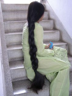 Very long hair play with awesome model IR3. Indianrapunzels.com presents two long hair play videos of her very long, thick, silky beautiful knee length hair
