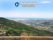 http://immobiliarecaserio.com/Spacious_town_house_with_terrace_in_Dogliola_1046.html