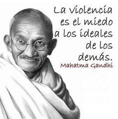 #NoALaViolencia ratificamos nuestro compromiso de seguir defendiendo pacíficamente el respeto por los ideales de todos los venezolanos. Un pais que no condena el pensar diferente, es un pais libre.