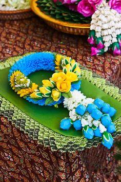 #Flower garlands of Thai style...
