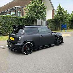 Black on Black Mini-Cooper - Black Mini Cooper, Mini Cooper Custom, Mini Cooper One, Mini One, Mini Cooper Tuning, Mini Cooper Clubman, Le Mans, Mini Copper, Drag Racing