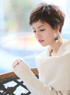 Best Pixie Hairstyles You Should See Short Dark Hair, Asian Short Hair, Very Short Hair, Short Hair Cuts For Women, Short Hairstyles For Women, Cute Haircuts, Short Pixie Haircuts, Hairstyles Haircuts, Medium Hair Styles