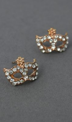 Masquerade earrings #jewelry_design