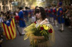 Diada de l'11 de setembre de 2012 a Barcelona. Ofrena Floral al monument d'en Rafel Casanova.