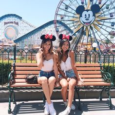 "J U L I E on Instagram: ""I'm not always here 24/7. I just like to post old pics #Disneyland I have a new video that I'll be uploading pretty soon! Pls subscribe? YouTube.com/misssjoolie also thank you for all the support! I recently reached 10k on YouTube """
