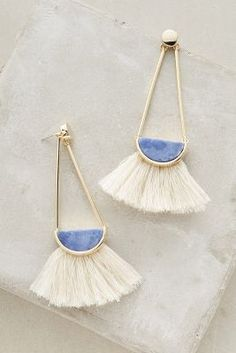 Jewelry Box Capwell Co Ouvea Fringed Drops earrings - from anthropologie Jewelry Box, Jewelry Accessories, Fashion Accessories, Jewelry Design, Fashion Jewelry, Jewelry Making, Jewelry Stores, Jewelry Trends, Gold Jewelry