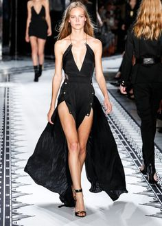 Versus-Versace-Spring-2015. Getty Images.
