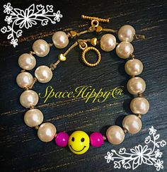 SpaceHippy® Signature Pearl Bracelet, 7 lucky pearls hand knotted on each side of your very own happy face (he will need a name) framed in agate