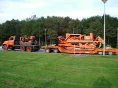 Allis-Chalmers really like the AC collector who takes it serious.he's got a big investment.but well worth it Dump Trucks, Cool Trucks, Big Trucks, Chevy Trucks, Industrial Machinery, Heavy Machinery, Mining Equipment, Heavy Equipment, Allis Chalmers Tractors