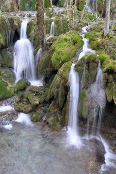 Toberia cascada, País Vasco, España
