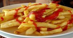 french fries (and ketchup) Mcdonald French Fries, Irish Potatoes, Indian Food Recipes, Ethnic Recipes, African Recipes, Snack Recipes, Healthy Recipes, Healthy Food, Milk Crates