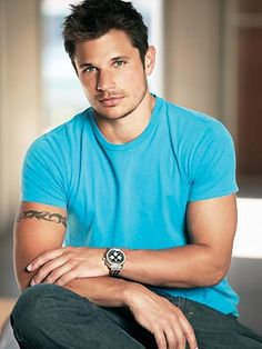 Nick Lachey, I can see playing the part of Otiszanga, if Kalarum were ever turned into a movie, he would be awesome!