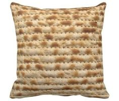 Any time guests drink wine or eat matzo during the seder, they are supposed to recline to symbolize the luxury of freedom. What could be better than reclining on this matzo pillow? Cool Iphone Cases, Iphone Case Covers, Iphone 4, Phone Cover, Jewish Humor, Religious Humor, Gadgets And Gizmos, Spice Things Up, Just In Case