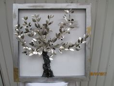 An olive tree, suitable for home or firm decoration, of whistles bronze handmade leaves and ceramic olives, on marble base. It can be also on iron base and inox or bronze olive leaves. Olive Tree, Clay Art, Rock Art, Metal Art, Wooden Frames, Grid, Merry Christmas, Bronze, Wreaths