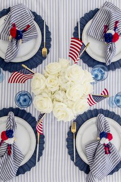 Fourth of July Table - Fashionable Hostess - Set the Table for of July I am thrilled to share the tablescape I created for this year's - Fourth Of July Decor, 4th Of July Celebration, 4th Of July Decorations, 4th Of July Party, 4th Of July Wreath, July 4th Wedding, Memorial Day, 4. Juli Party, Fashionable Hostess