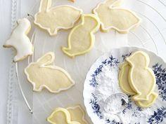 Osterkekse mit Orangen-Zuckerguss ist ein Rezept mit frischen Zutaten aus der Kategorie Gebäck. Probieren Sie dieses und weitere Rezepte von EAT SMARTER!
