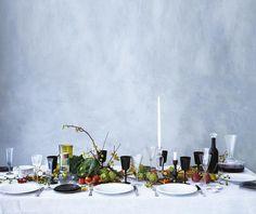 Set a seasonal Thanksgiving table, says florist Roberta Bendavid Thanksgiving Table Settings, Thanksgiving Decorations, Thanksgiving 2013, Dinner Table, A Table, Beautiful Flower Arrangements, Decoration Table, Bon Appetit, Event Design