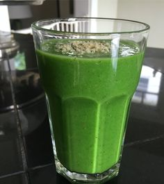 Green Goodness Smoothie  #HealthyRecipesHungryKids  1 heaping cup of organic dino kale, coarsely chopped 1 medium organic mango, roughly chopped 1 medium organic kiwi, peeled and quartered 1/4 cup fresh squeezed organic lime juice 1 small organic ripe banana (can be frozen) 1 cup organic unsweetened plain coconut milk (or unsweetened almond milk) 1 teaspoon organic coconut oil (optional) Pinch of himalayan salt  4 or 5 ice cubes Garnish with a sprinkle of organic hemp seeds