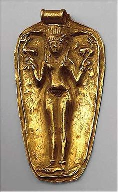 Late Bronze Age, ca. Bodrum Museum of Underwater Archaeology, Turkey. Pendant with Nude Female, Gold – Uluburun shipwreck. Ancient Artifacts, Ancient Egypt, Ancient History, Art History, Potnia Theron, Rome Antique, Arte Tribal, Art Ancien, Minoan